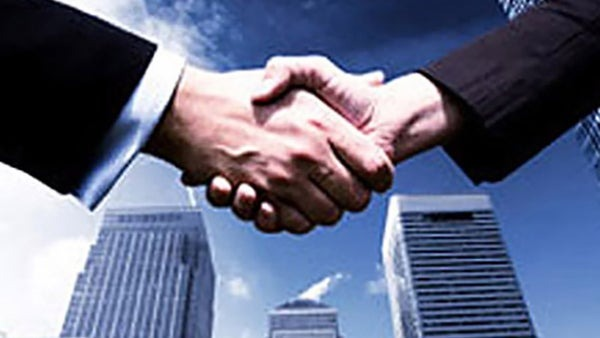 What are the benefits of collaborating with a trusted supplier?